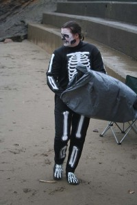 Finless Fright Fest, 2 minute beach clean
